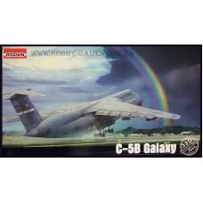 Roden 1/144 Американский стратегический военно-транспортный самолёт Lockheed C-5B Galaxy. № ROD_330