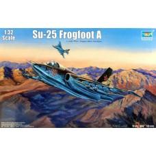 """Trumpeter 1/32 Советский штурмовик Су-25 """"Frogfoot"""". № 02276"""
