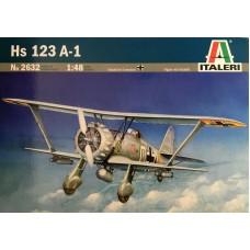 Italeri 1/48 Немецкий пикирующий бомбардировщик Henschel Hs.123A-1. № 2632