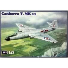 AMP 1/72 Английский учебно-тренировочный самолет English Electric Canberra T11. № 72004