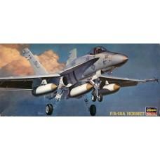 Hasegawa 1/72 Американский палубный истребитель-бомбардировщик McDonnell Douglas F/A-18 Hornet. № HAS_02810