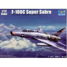 Trumpeter 1/72 Американский сверхзвуковой истребитель North American F-100C Super Sabre. № 01648