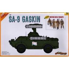 Cyber Hobby  1/35 Советский зенитно-ракетный комплекс 9К31 «Стрела-1» (SA-9 Gaskin) и фигурки мотострелков. № 9138