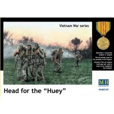 """Master Box 1/35 Набор американских солдат на Вьетнам """"Следуйте к """"Хьюи"""" (Head for the Huey). № MRB_35107"""