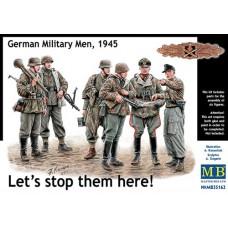 Master Box 1/35 Немецкие солдаты и офицеры (Надо остановить их здесь!), 1945. № MRB_35162